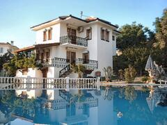 Property Photo: Uner villa 5 from poolside