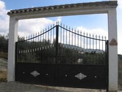 electronic security gates to estate