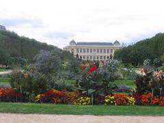 Property Photo: Jardin des Plantes, next to the building