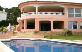 Property Photo: Pool & Villa