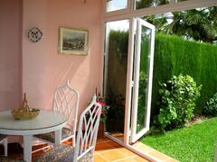 New Breakfast Conservatory leading onto secluded garden