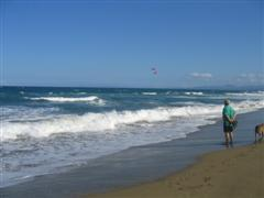watching kite boarders at Vecinos beach