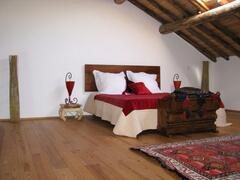 mezzainie bedroom