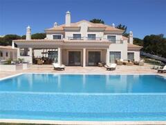 Property Photo: DDBC - M8 Villa