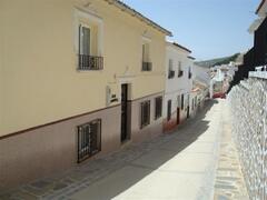 Property Photo: Casa Amarilla