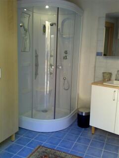 Portico Hydro-Message Shower