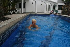Swimmi ng pool