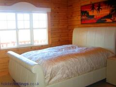 Bedroom downstairs, queen size bed