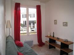 Property Photo: Living / bedroom