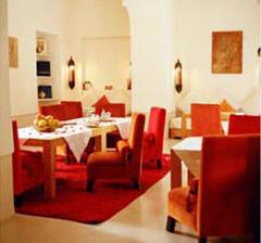 Riad Sara: Moroccan Salon