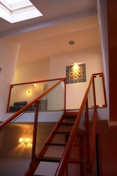 Upfloor stairs