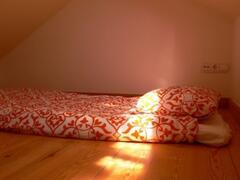 Mezzanine with a single matress