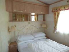 ST198 double bedroom