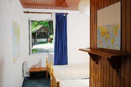 ground floor twin bedroom with easy bathroom access