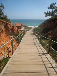Praia da Falésia-Hotel Alfamar beach-beach entrance and bar