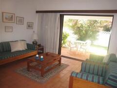 Blue Villa: living/dining room