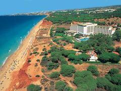 Praia da Falésia-Hotel Alfamar beach overview