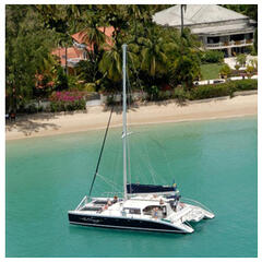 Ask about our packages, including the unforgettable catamaran trip where you swim with turtles and snorkel through shipwrecks