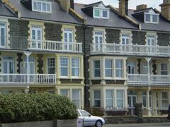 Property Photo: Tywyn Seaside Apartment  www.walesseasideholiday.co.uk TEL:01743 790848