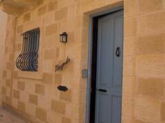 Property Photo: facade