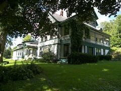 Property Photo: the historic Mt. Philo Inn
