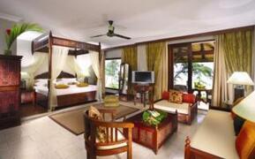 Moevenpick Resort and Spa bedroom