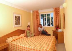 Prinsotel Alba Apartments bedroom