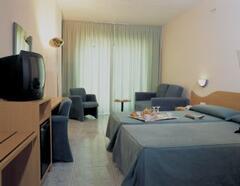 Principal 4 star hotel bedroom