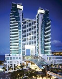 Property Photo: Westin Diplomat Resort & Spa
