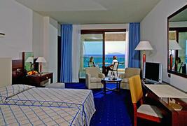 Iberostar Carlos V hotel bedroom