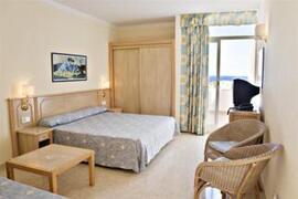 Paradise Beach Apartments bedroom