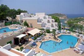 Paradise Beach Apartments pool