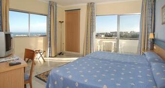 Property Photo: El Pinar Aparthotel bedroom