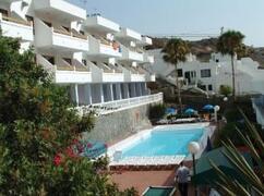 Property Photo: Solana Apartments pool