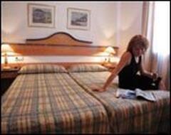 Tramontana Park Apartments bedroom
