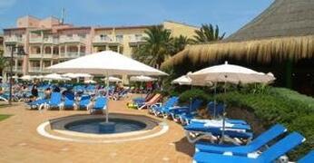 Viva Bahia Apartments pool