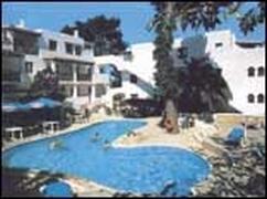 Property Photo: Los Pinares I Apartments