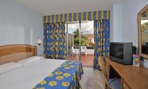 Property Photo: Sol Princesa Dacil Hotel bedroom