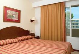 Bellevue Club Apartments bedroom