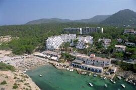 Paradise Beach Apartments beach