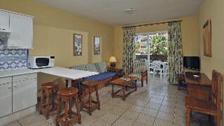Tamaimo Tropical Apartments lounge