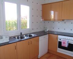 Ciutadella 3 bedroom villa kitchen