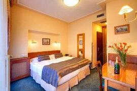 Clementin Old Town Hotel bedroom
