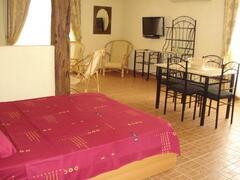 Property Photo: studio avec cuisine