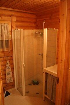 Bathroom w. shower
