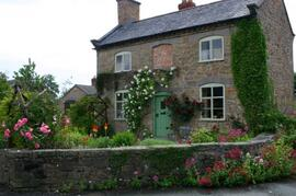 Property Photo: Traditional Old Cottage