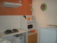 Property Photo: furnished kitchen