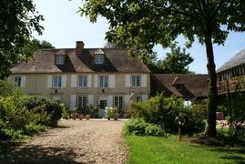 Property Photo: manor les marronniers - 17ème