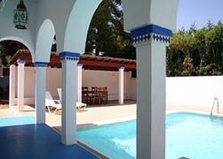 depandance pool