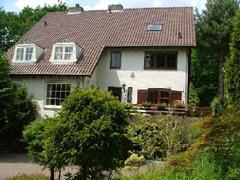 Property Photo: Eight Oaks villa front of house